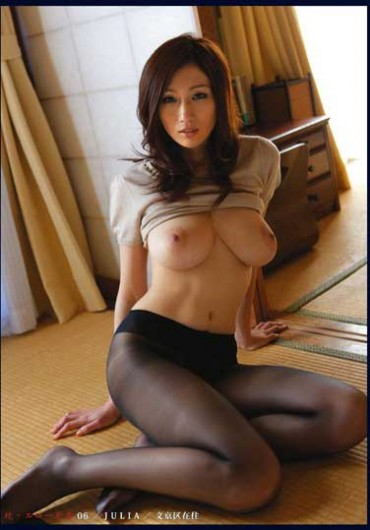 Julia Kyoka – Erotic Wife